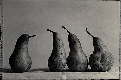 Pears - p1088m1039871 by Martin Benner