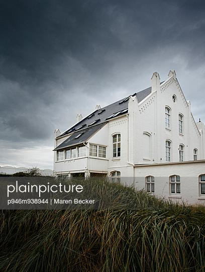 Villa auf Noderney - p946m938944 von Maren Becker