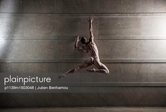 Naked man takes a leap - p1139m1503048 by Julien Benhamou