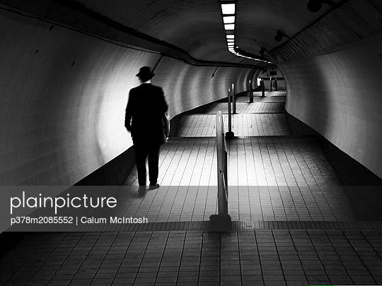 Tunnel Gent - p378m2085552 by Calum McIntosh