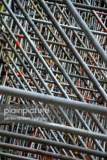 scaffolding - p876m1573441 by ganguin
