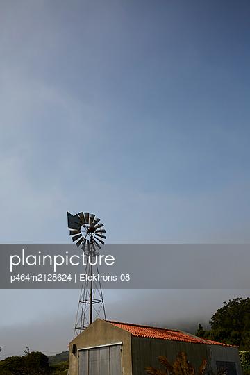 p464m2128624 by Elektrons 08