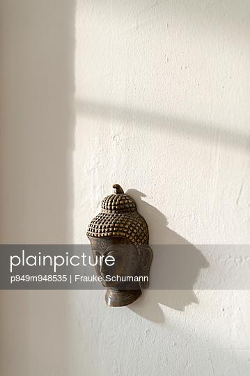 Buddha-Kopf - p949m948535 von Frauke Schumann