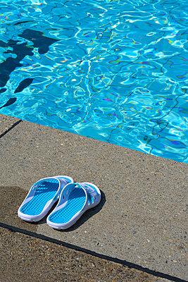 badeschuhe pool 01 - p876m2045343 von ganguin
