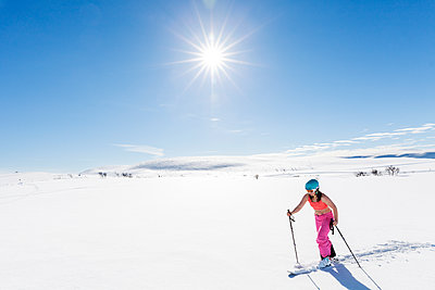 Woman skiing - p312m1180438 by Sara Winsnes