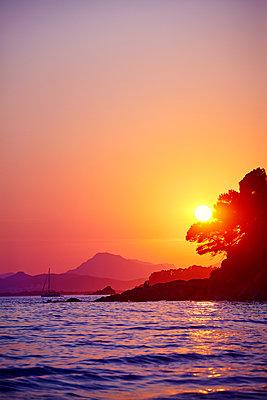 Meer Sonne Boot - p1312m1441511 von Axel Killian