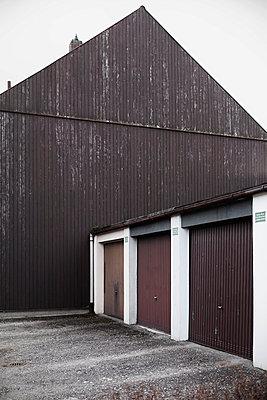 Garages - p1149m995663 by Yvonne Röder