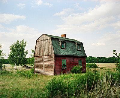 Abandoned farmhouse - p171m901047 by Rolau