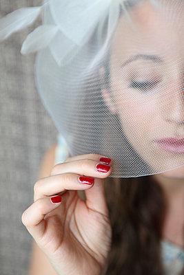Veiled lady - p045m925857 by Jasmin Sander