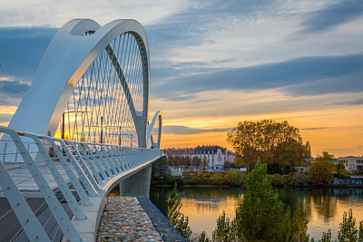 France, Alsace, Strasbourg, Passerelle des Deux Rives at sunset - p300m1587522 by JLPfeifer