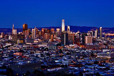 Skyline of San Francisco - p1399m1528868 by Daniel Hischer