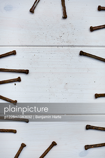 Rusty nails - p1228m1083692 by Benjamin Harte