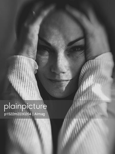 Portrait of desperate woman - p1522m2230204 by Almag