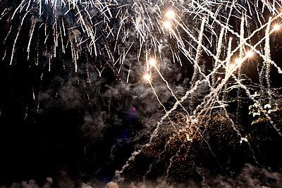 Feuerwerk - p1116m944445 von Ilka Kramer