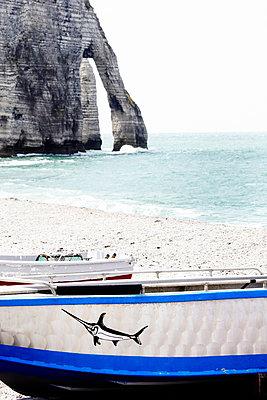 Fischerboot; Haute-Normandie - p415m822847 von Tanja Luther