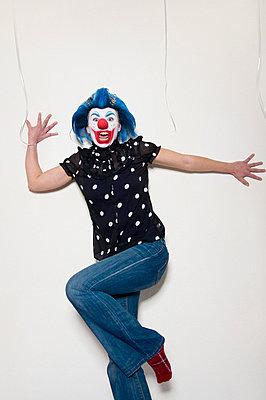 Entsetzte Clownin - p3580458 von Frank Muckenheim