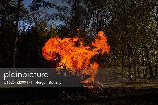 p1525m2099171 by Hergen Schimpf
