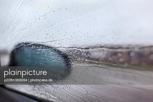 Regenfahrt - p228m965694 von photocake.de