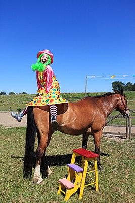 Zirkus-Fest - p045m1057754 von Jasmin Sander
