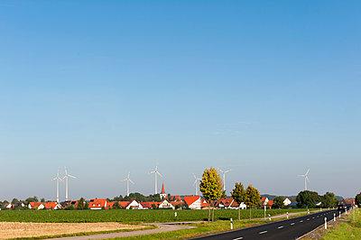Das neue Dorfbild - p1079m891438 von Ulrich Mertens