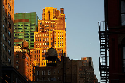 Wasserspeicher in New York - p851m1048624 von Lohfink