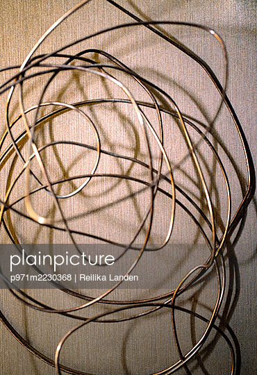 Twisted wire - p971m2230368 by Reilika Landen