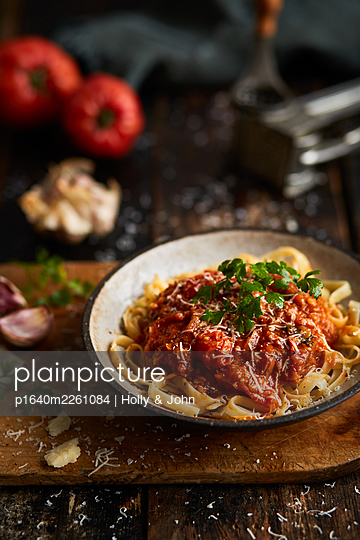 Tagliatelle with tomato sauce - p1640m2261084 by Holly & John