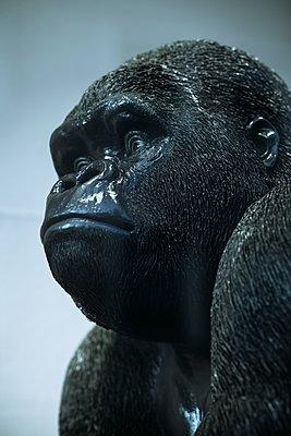 Gorilla sculpture - p728m2064715 by Peter Nitsch