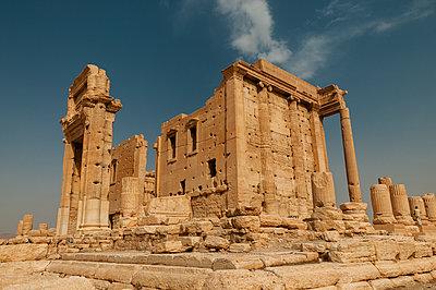 Ruinen des Baaltempels der Oasenstadt und UNESCO-Weltkulturerbe Palmyra/Tadmor nahe Damaskus, Syrien - p1493m2063558 von Alexander Mertsch