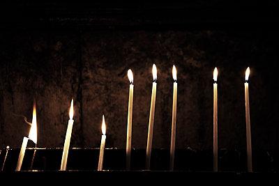 Brennende Kerzen - p4150607 von Tanja Luther