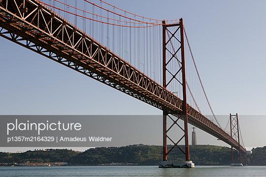 Ponte 25 de Abril über den Tejo, Lissabon - p1357m2164329 von Amadeus Waldner