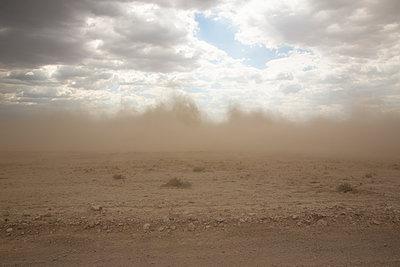 Sandsturm - p975m2056955 von Hayden Verry