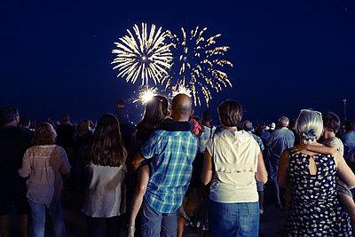 Feuerwerk - p1189m2175198 von Adnan Arnaout