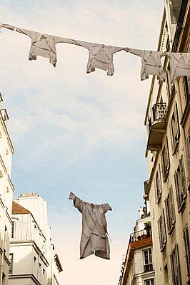 Weiße Hemden - p1594m2187294 von Françoise Chadelas