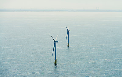Aerial shot of an offshore wind farm off the Dutch coast, IJmuiden, North Holland, Netherlands - p429m1155663 by Mischa Keijser