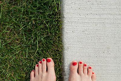 Barefoot - p447m698480 by Anja Lubitz