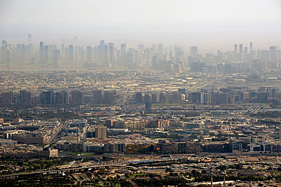 Dubai - p589m815065 by Thierry Beauvir