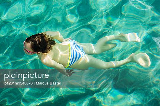 Diver - p1291m1548078 by Marcus Bastel