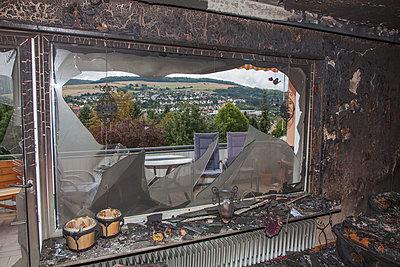 Wohnungsbrand - p060m1034672 von Dieter John