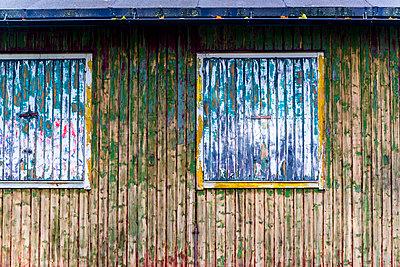 Verfallener Holzschuppen - p1170m1491685 von Bjanka Kadic