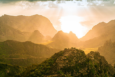 Gebirge in der Nähe des Dorfes Masca, Nationalpark El Teide - p1332m1502709 von Tamboly