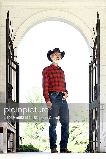 Welcome to Bill's Ranch - p1019m853194 by Stephen Carroll