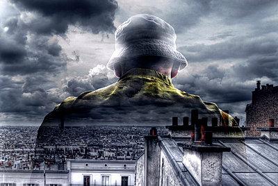 Einsamer Blick auf seine Stadt - p56711480 von Joachim Lapotre