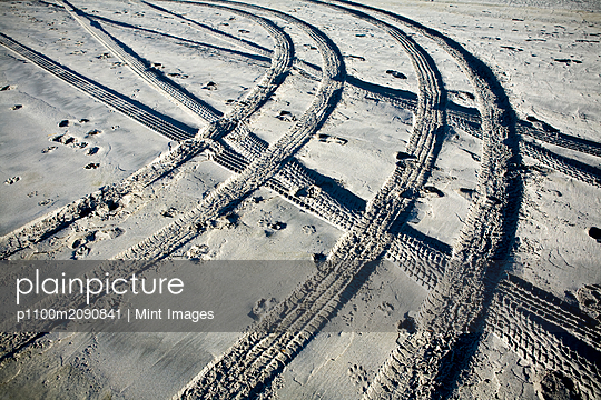 Tire Tracks and Footprints, Long Beach Peninsula, Washington - p1100m2090841 by Mint Images