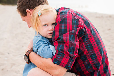 Vater und Tochter - p796m1558661 von Andrea Gottowik
