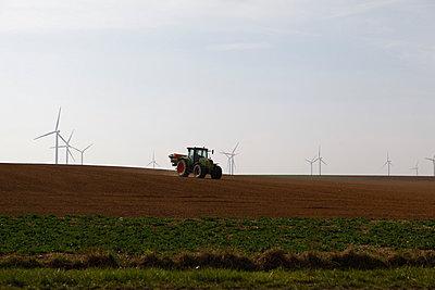 Traktor - p1058m817173 von Fanny Legros