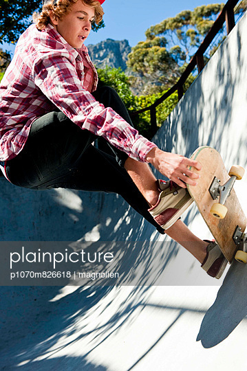 Skateboarding VII - p1070m826618 by Meeke Voges