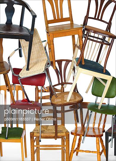 Stühle - p509m1183337 von Reiner Ohms