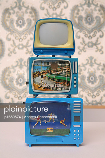 Miniature tv - p1650874 by Andrea Schoenrock