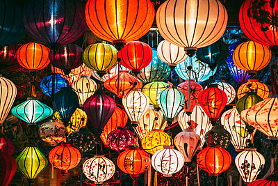 Vietnam, Silk lanterns - p300m1081510f by klublu